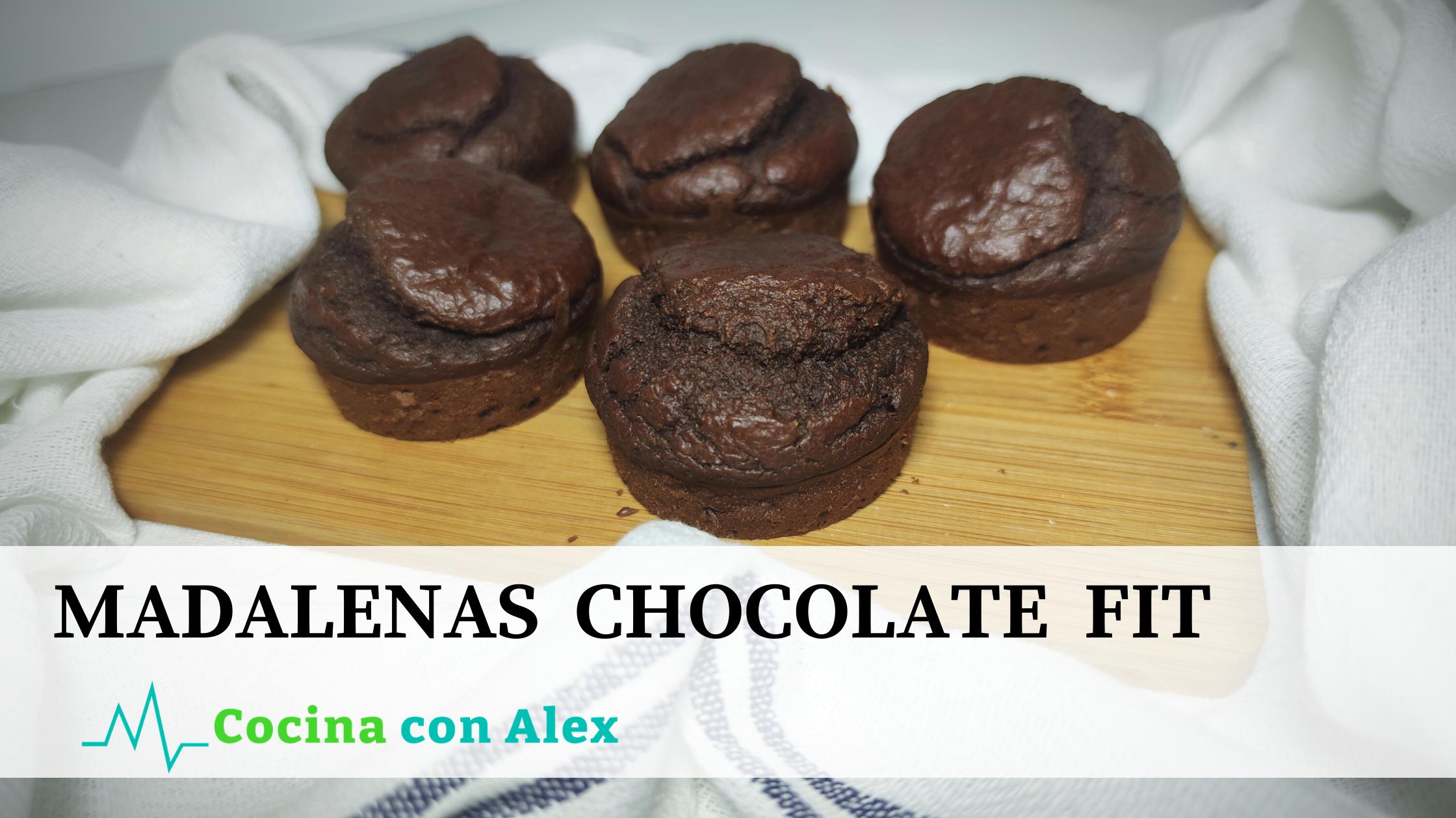 Magdalenas de chocolate fit alex arroyo fit. Estas magdalenas de chocolate son perfectas para las meriendas o como antojo de dulce sin tener remordimientos.